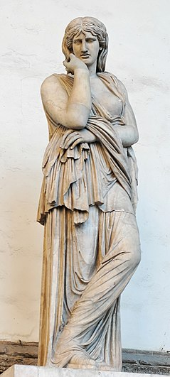 Statue of Thusnelda in Loggia dei Lanzi. Created in 2nd century CE with modern restorations. Thusnelda Loggia dei Lanzi 2005 09 13.jpg