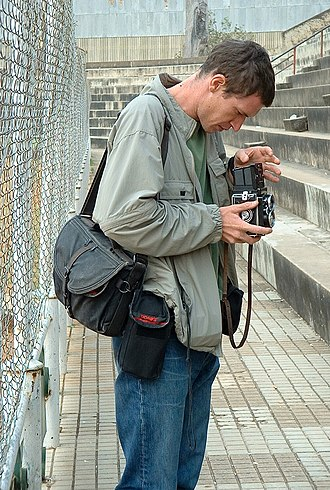 Tim Hetherington - Hetherington at a photo session in Huambo, Angola, in 2002