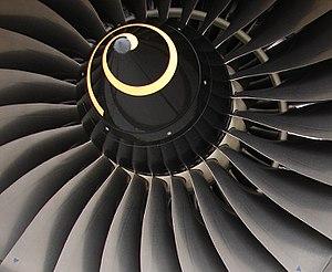 Rolls-Royce Trent 700 - Fan hub with 26 blades