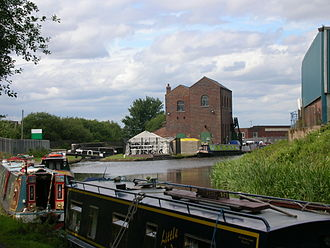 Titford Canal - Titford Top Lock, Titford Pumphouse, and the start of the Tat Bank Branch