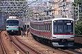 Tokyu-5050 Tokyo-Metro-9000.jpg