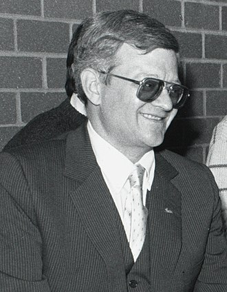 Tom Clancy - Clancy at Boston College's Burns Library in November 1989