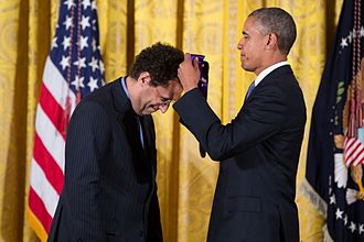Kushner receiving a National Medal of Arts from President Barack Obama, 2013 Tony Kushner National Medal of Arts.jpg