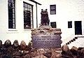 Towser Memorial, Glenturret Distillery Visitors Centre - geograph.org.uk - 4001.jpg