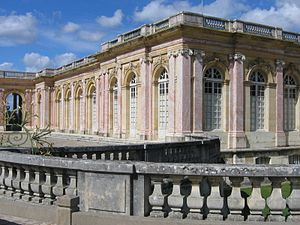 Subsidiary structures of the Palace of Versailles - The Grand Trianon, as seen from the entry court (1678), Jules Hardouin-Mansart, architect
