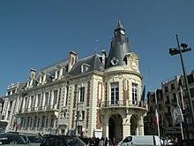 L Hotel De Ville De Trouville Wikipedia