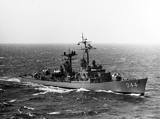 USS Mullinnix - USS Mullinnix (DD-944) underway in the Mediterranean Sea 1970