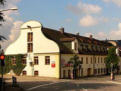 Untere Stadt 11 (Vilsbiburg).jpg