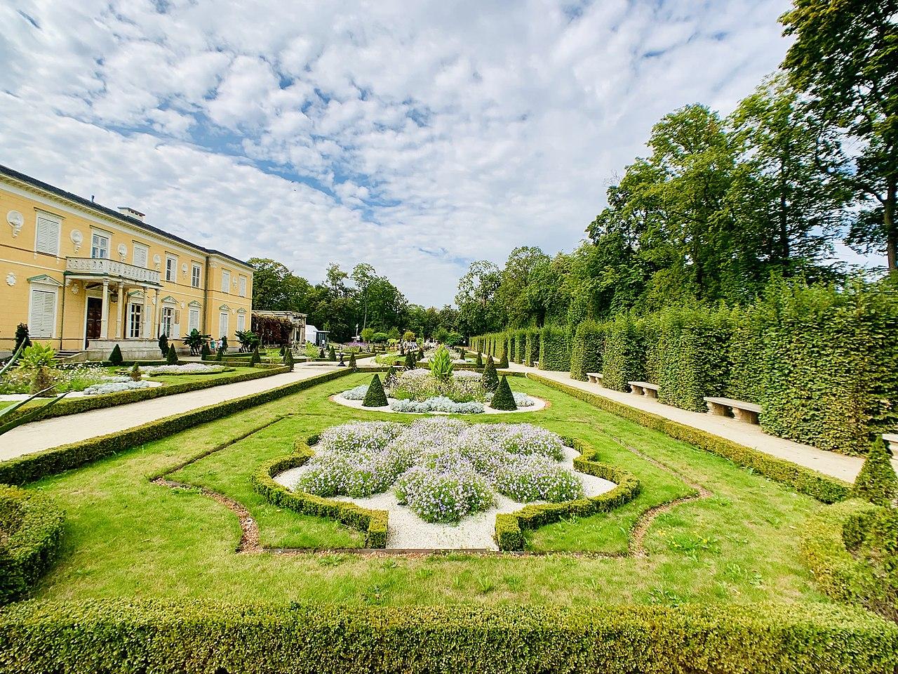 Upper Baroque Garden in Wilanów Park, 2019, 10.jpg