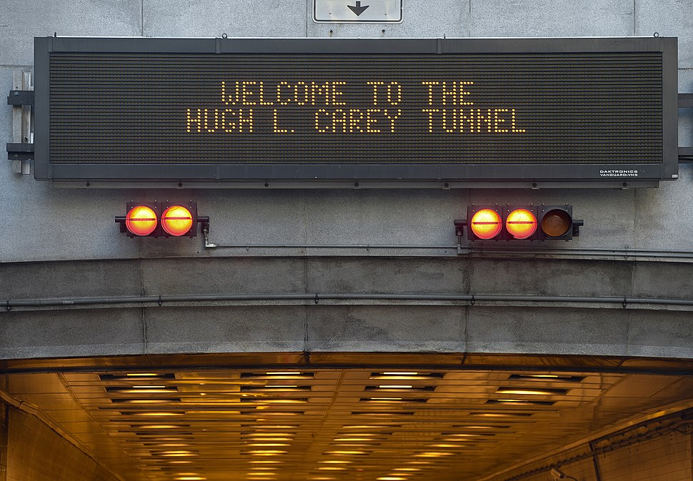 Variable-message sign Welcome to the Hugh L. Carey Tunnel - B&T 5962 (8119224993)