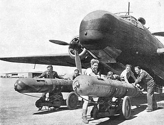 Loading 21-inch RNTF Mark VIII torpedoes into a Vickers Wellington medium bomber, May 1942. This type of torpedo was used to sink the Argentinian cruiser General Belgrano during the 1982 Falklands War Vickers wellington VIII torpedo.jpg