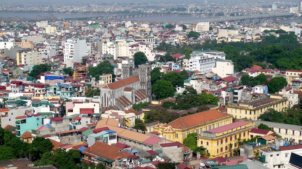 Vue sur l'hypercentre d'Hanoi avec la cathédrale Saint Joseph - Photo de Nam-ho Park