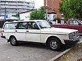 Volvo 245 DL 1985 (14826989457).jpg