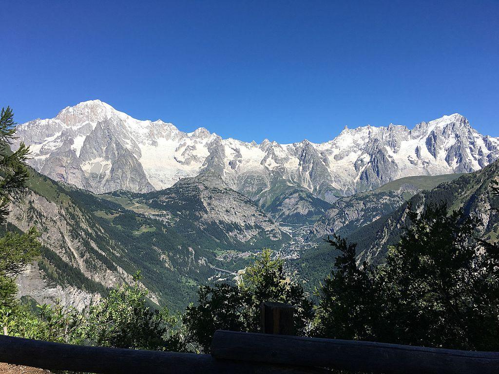 file vue du massif du mont blanc depuis le belv 233 d 232 re du