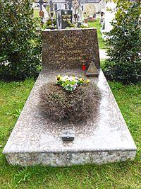 Wagrain (Friedhof-Grab von Waggerl).jpg