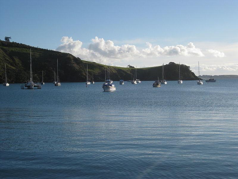 File:Waiheke Island, North Island, New Zealand (7070617203).jpg