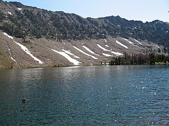 White Cloud Mountains - Image: Washington Lake