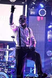 Waylon Reavis American singer-songwriter