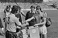 Wereldkampioenschap voetbal 1974 Nederland tegen Uruguay 2-0 Masnik (links) en, Bestanddeelnr 927-2607.jpg