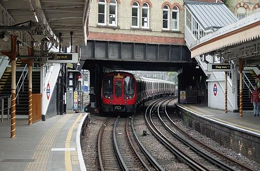 Westbourne Park tube station MMB 05 S Stock