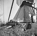 Wipwatermolen, rietdekkers aan het werk - Kockengen - 20126216 - RCE.jpg