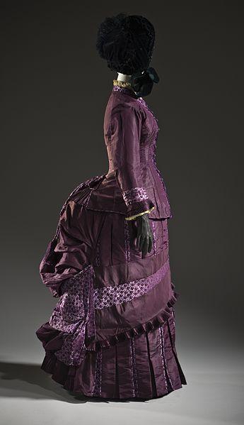 File:Woman's dress c. 1885.jpg