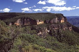 (1)Megalong Valley east escarpment.jpg