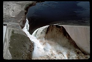 Teton Dam - Catastrophic failure on June 5, 1976
