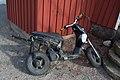 Övergiven moped (9423631134).jpg