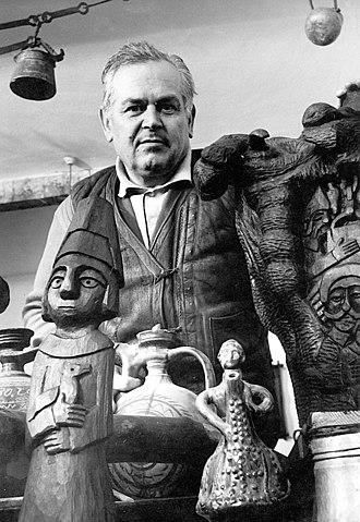 Bogosav Živković - Živković with his works