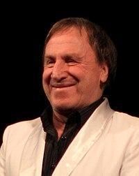 Владимир Стеклов на сцене Драмтеатра города Северодвинска 25 февраля 2011 года.JPG