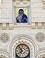 Войсковой Вознесенский кафедральный собор - надвратная икона и часы.JPG