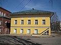 Дом поручика Кроткова, нач. 1830-х гг. (с 1859 г. - купца А.Важенина). Вид с ул.Казанской.jpg