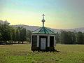 Старая часовня на фоне гор.JPG
