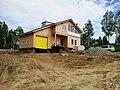 Строящийся дом в поселке УНИВЕРСИТЕТСКИЙ рядом с Академгородком Новосибирска 04.jpg