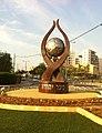 פסל הנצחה בכיכר יהודה ברחובות,.jpg