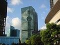 汇亚广场反射出东方明珠 - panoramio.jpg