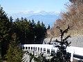 釈迦ヶ岳・三方分山登山道入り口から長野県八ヶ岳を望む - panoramio.jpg