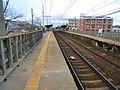 高田本山駅 ホーム南端より - panoramio.jpg