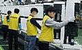인기 여전한 '클린부스터', LG 공기청정기 '풀가동' (24680017398).jpg