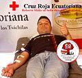 13 de noviembre del 2015 Roberto Malla dona sangre para salvar vidas.jpg