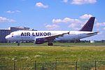 145gw - Air Luxor Airbus A320-211, CS-TNB@CDG,11.08.2001 - Flickr - Aero Icarus.jpg