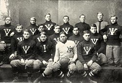 1904 VMI Keydets football team.jpg