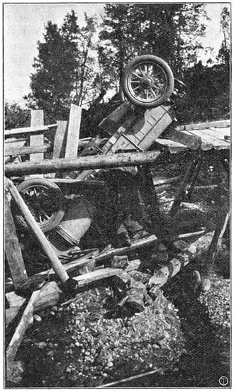 Peking to Paris - Image: 1907 Itala bridge crash Project Gutenberg etext 17432