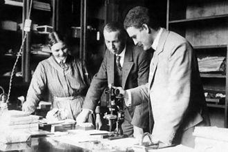 Victor Goldschmidt - Victor Moritz Goldschmidt (right), 1915