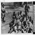 1947 - תל אביב - קבוצת ישראלים עצורים עי הבריטים לשם חיפוש לנשק-PHL-1089273.png