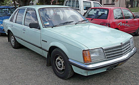 1978-1980 Holden VB Commodore 3.3 sedan 01.jpg