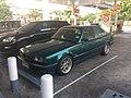 1995-1996 BMW 525i (E34) Sedan (07-02-2018) 03.jpg