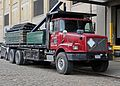 1997-2001 Volvo WG flatbed truck.jpg
