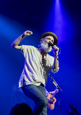 Fran Healy (musician) - Healy in concert with Travis, 2014